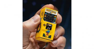 Pac Man Arcade Keychain Holding