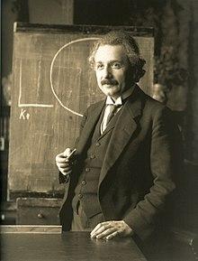 Einstein_with_circle