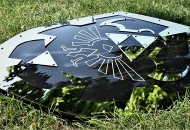 Legend_of_Zelda_Dark_Hylian_Shield_Ocarina_of_Time_Replica_Cosplay