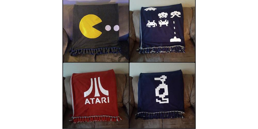 Gamer_Fleece_Blanket_Atari_Pacman_Space_Invaders