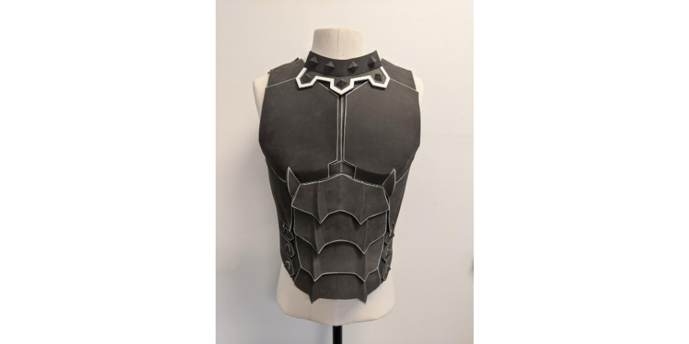 Male_Barrioth_Breastplate_Cosplay