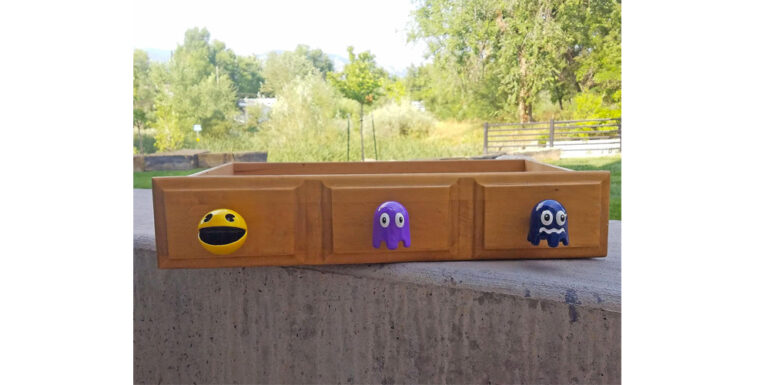 Pac_Man_and_Ghost_Furniture_Knobs