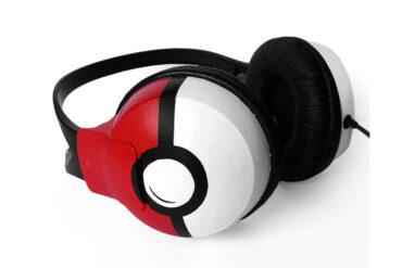 Pokemon_Pokeball_Headphones