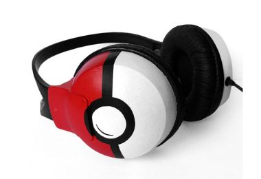 Pokemon_Pokeball_Headphones