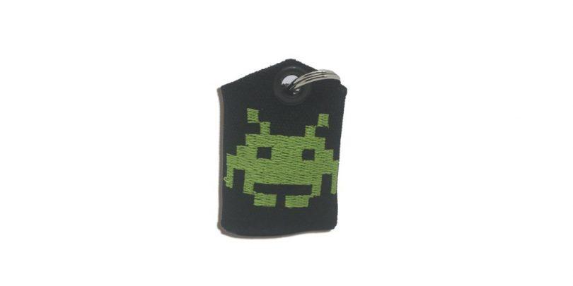 Space_invader_Tag_Bag_Medal