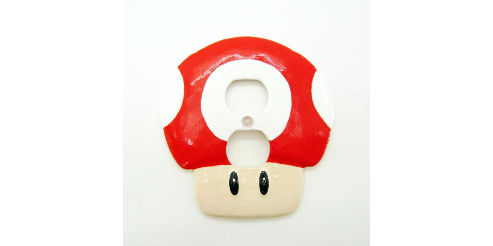 Super_Mario_Mushroom_Wall_Plate_Power_Outlet