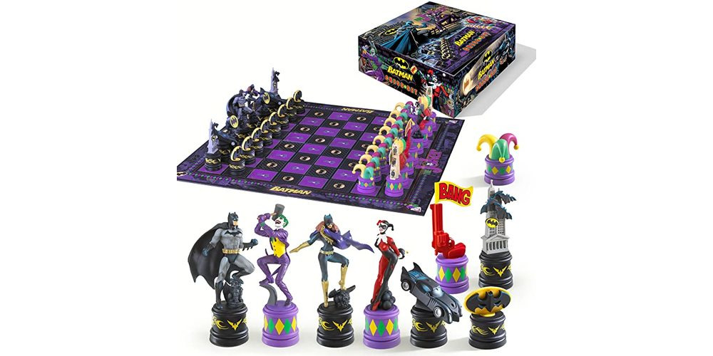 Batman_chess_set