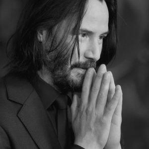 Keanu_Reeves_prayer