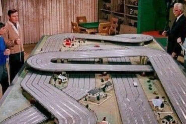 Wayne_Manor_slot_car_racing_track