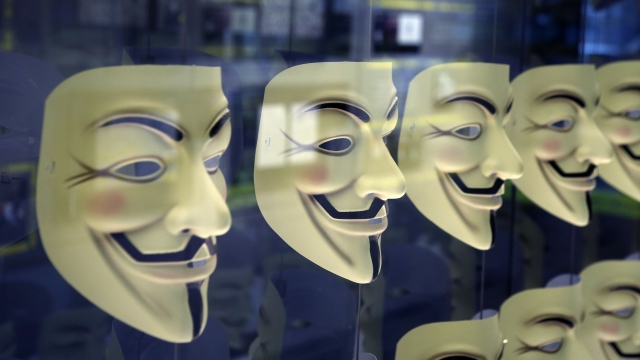 Anonymous_Guy_Fawkes_masks